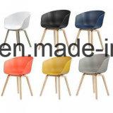 현대 식사 의자에 관하여 직물에 의하여 덮개를 씌우는 건초