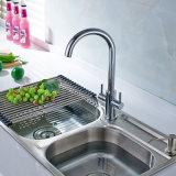 Doppio colpetto di miscelatore dell'acqua della maniglia per il dispersore di cucina