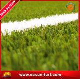 Het natuurlijke Groen Zetten van het Gras van het Tapijt van de Voetbal Kunstmatige