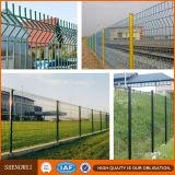 El PVC cubrió la cerca soldada seguridad del acoplamiento de alambre con los dobleces