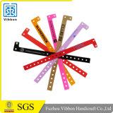 Nuevos productos de porcelana de color surtidos de plástico pulseras / plástico pulsera personalizada