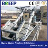 Geneigter Trommel-Bildschirm installiert in Kanal-oder Wasser-Becken für feste Trennung