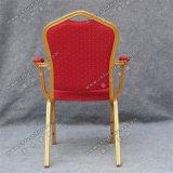 Самомоднейший металл штабелируя стул Yc-D102-4 рукоятки трактира