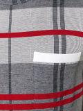 Люди серые и красная тенниска Knit проверки хлопка