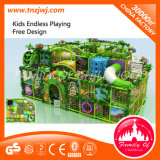 Apparatuur van de Speelplaats van de Kinderen van Ce de Gediplomeerde Binnen Zachte