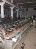 機械を形作る金属製品ロール
