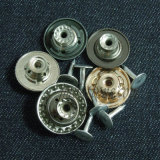 Изготовленный на заказ металл для кнопки ткани плакировкой куртки джинсыов