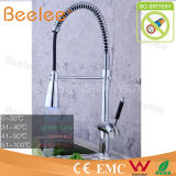 중국 Sanitary Ware LED 각자 Powered는 Spray Cold와 Hot Water Chromed Brass Spring Kitchen Faucet를 당긴다 Down