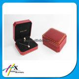 A caixa de jóia plástica luxuosa aceita a venda quente do logotipo feito sob encomenda
