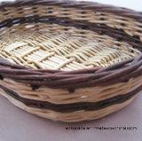 Wicker корзина, хорошая для хранения и украшения