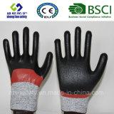 Отрежьте упорную перчатку работы безопасности при покрынный нитрил