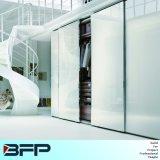 De witte Garderobe van de Schuifdeur van het Frame van het Aluminium van het Glas