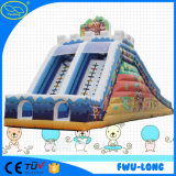 0.6 mm ~0.9 mm PVC防水シートの遊園地は膨脹可能な水スライドをからかう