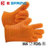 ハート形デザイン耐熱性オーブンのミットのシリコーンゴムの手袋