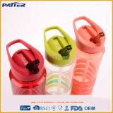 Бутылки воды сторновки точных цветов способа возникновения по-разному пластичные
