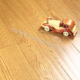 El suelo de madera de /Engineered del suelo del roble de Laddered de la Dos-Capa con Alambre-Aplica con brocha