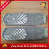 Chaussettes professionnelles de course de chaussettes de ligne aérienne de chaussettes antidérapage bon marché