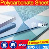Feuille gravée en relief par polycarbonate