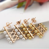 Orecchini lunghi della perla placcati oro dell'acciaio inossidabile delle ragazze degli accessori di modo