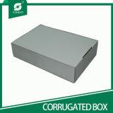 出荷のための黒波形の荷箱
