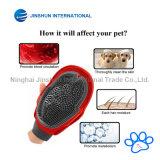 Инструмент перчатки наградной холить любимчика качества 2-1 резиновый для &ndash котов & собак; Pet перчатка перевозчика волос с &ndash планки велкроего; Один размер приспосабливает все