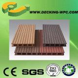 Decking imperméable à l'eau de vente de la cavité chaude WPC de prix de gros pour extérieur