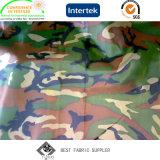 PVCは印刷された軍隊と100%年のポリエステル190tタフタのレインコートファブリックに塗った
