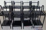 Zwarte Geschilderd Stempelend en Lassend Karretje voor de Delen van de Apparaten van de Schoonheid