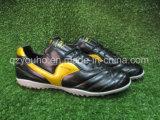 Voetbalschoenen van de Voetbal van de voorraad de Binnen voor Mensen