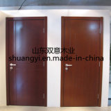 Portas de madeira interiores da entrada bem parecida do balanço da cozinha
