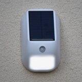 Impermeabilizar la luz solar de la pared de 160 lúmenes con el sensor de movimiento de PIR