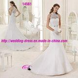 Edle reizvolle dünne Halter-Kleid-Hochzeit mit Tasten ziehen sich zurück