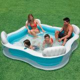 膨脹可能な赤ん坊のプールまたはプールまたはグループの浴室