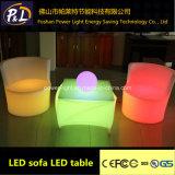 Geleuchteter nachladbarer LED-quadratischer Plastiktisch