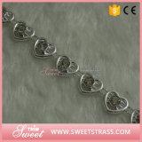明確なラインストーンセットが付いているプラスチック銀製の花のリボン
