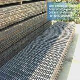 Reja de acero galvanizada de la industria de la INMERSIÓN caliente para la escala y el foso