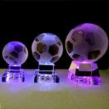 Bola cristalina de la decoración hecha en casa con la luz del LED