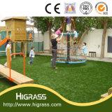 Gazon artificiel résidentiel populaire aménageant l'herbe en parc