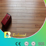 12mm E0 HDFのAC4によって浮彫りにされるヒッコリーのV溝がある薄板にされた床