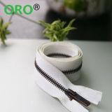 Cremallera plástica 5# con los dientes de la cola, la cinta de neón, O/E y el Auto-Bloqueo