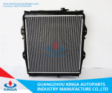 Приемистость Hilux радиатора на корабле радиатора сбываний радиатора вспомогательного оборудования автомобиля