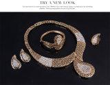 Bijou africain d'or de cru réglé de mode de PCS du bracelet 4 de boucle d'oreille de boucle de collier de diamant