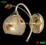 型の鉄の寝室またはレストランまたは閲覧室のための水晶壁ランプの壁ライト