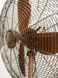 O assoalho Ventilador-Ventilador-Está o ventilador da Ventilador-Antiguidade