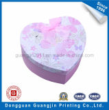 Boîte-cadeau rigide de papier colorée de carton de forme de coeur avec la bande