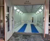 A cabine da pintura coze o calor pelo gabinete limpo do carro da raia infravermelha
