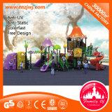 Wohnkind-im Freienspielplatz-Plättchen mit kletterndem Rahmen