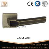 Traitement de levier en alliage de zinc/en laiton de porte sur grande Rose (Z6305)