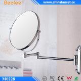 3X magnifient le laiton composent le miroir plié de salle de bains