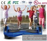 Cer RoHS EMC UL2272 bescheinigte zwei Räder elektrisches Hoverboard, Selbstausgleich-Roller, der Selbst, der elektrisches Roller-Weiß balanciert